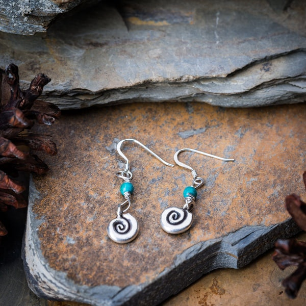 Thai Hand Made Hill Tribe Artisan Silver Earrings Swirl Jade