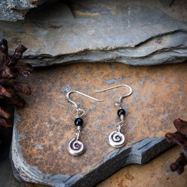 Thai Hand Made Hill Tribe Artisan Silver Earrings Swirl Onyx
