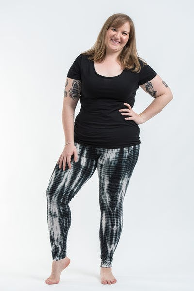 Plus Size Lightning Stripes Tie Dye Cotton Leggings in Black and White